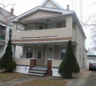 Immaculate Two Family Home For Sale In Cleveland, Ohio. Remodeled And  Move In Ready! Great As An Investment Or Live In One Unit, Rent The Other!
