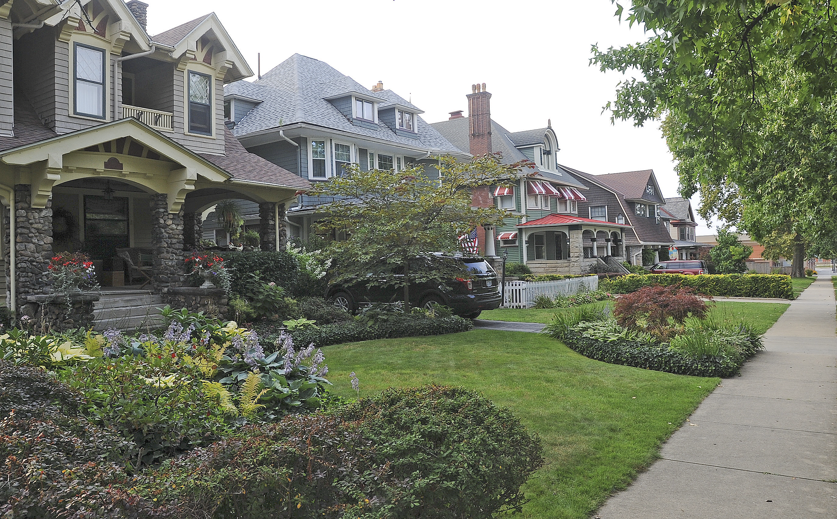 Best cities areas to live in cleveland ohio real estate for Home builders in ohio